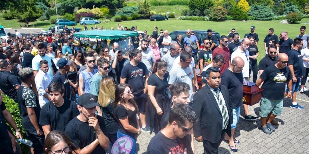 Família Innocente da Silva foi enterrada nesta terça | Foto: Guilherme Almeida