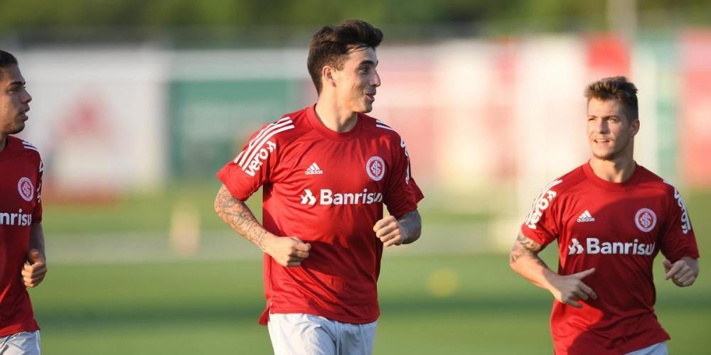 Saravia foi convocado por Lionel Scaloni para defender a seleção da Argentina   Foto: Ricardo Duarte / Inter / Divulgação / CP