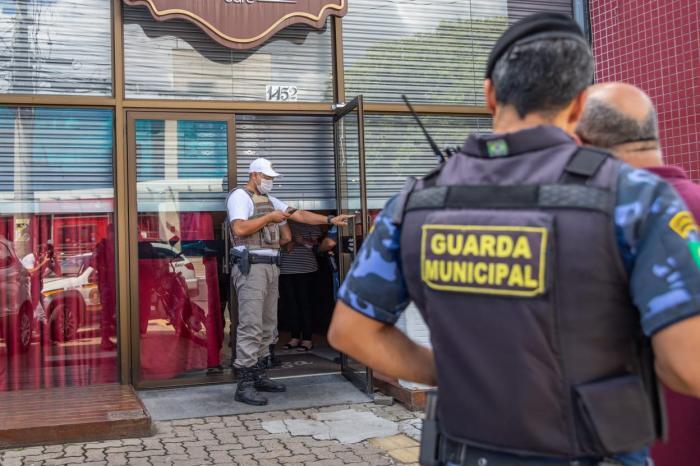 Estabelecimento em que festa de casamento acontecia estava com cortinas fechadas Vinicius Thormann / Prefeitura Municipal de Canoas