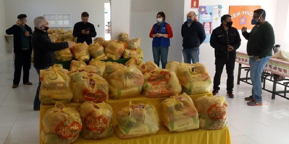 Três meses de cestas básicas para famílias da APAE de Júlio de Castilhos