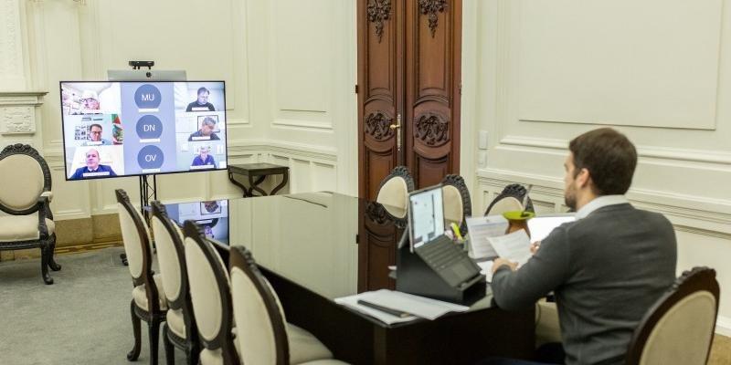 Anúncio foi feito, nesta terça-feira, em videoconferência com parlamentares estaduais e federais   Foto: Gustavo Mansur / Palácio Piratini / CP