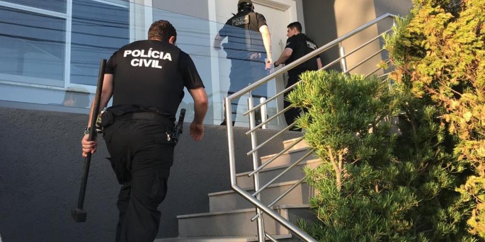 Esquema consistia em oferecer a empresários serviços de prospecção de linhas de crédito | Foto: Polícia Civil / Divulgação / CP