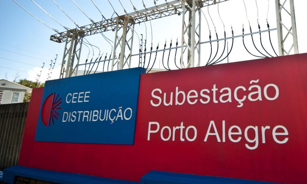 Subestação da energia tem princípio de incêndio em Porto Alegre