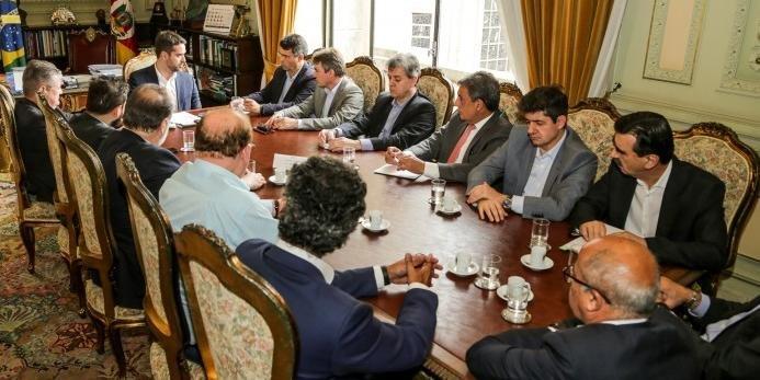 Eduardo Leite se reuniu com deputados do MDB na última semana | Foto: Gustavo Mansur / Palácio Piratini / CP