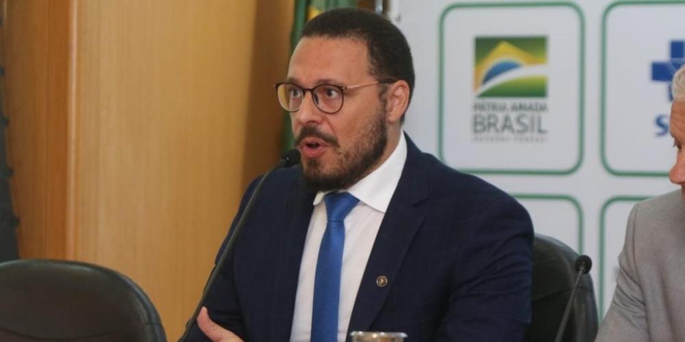 Júlio Croda revelou notificações de casos suspeitos do coronavírus no Brasil | Foto: Ministério de Saúde / Twitter / Reprodução / CP