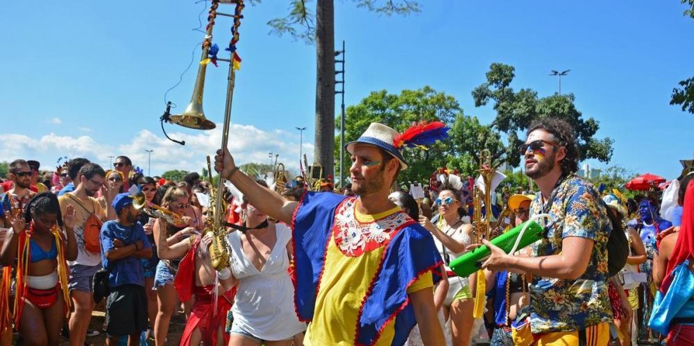 Bloco da Laje animou foliões neste domingo | Foto: Alina Souza